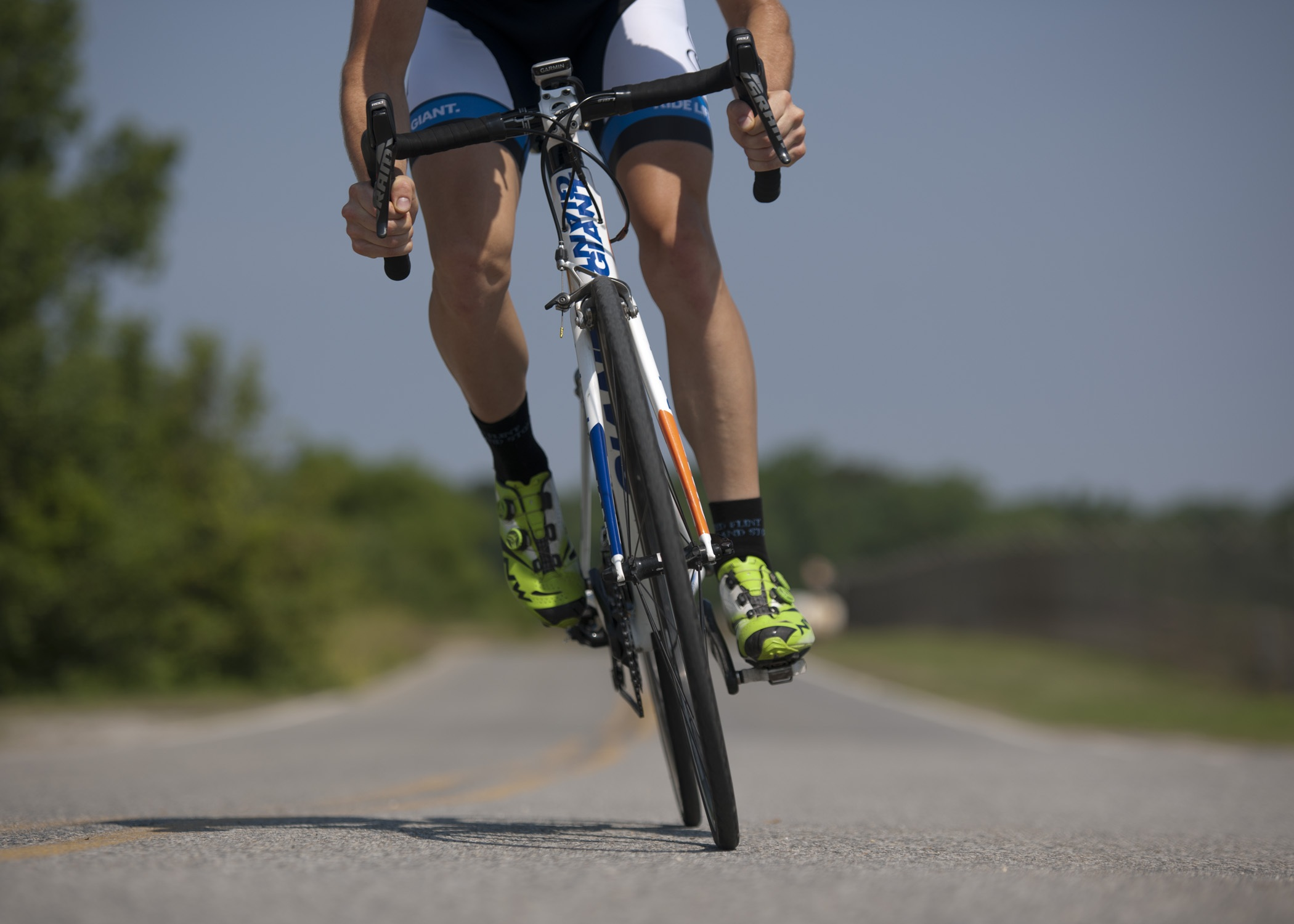 how to cycle downhill safely